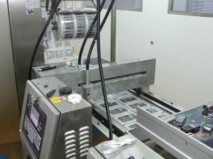 2 Fejes dobozfeliratozó élelmiszeripari kivitelben
